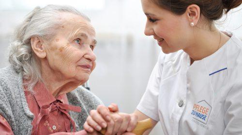 Krankenschwester Patienten Pflege daheim