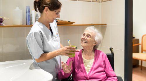 Patientin Krankenschwester Pflege zu Hause